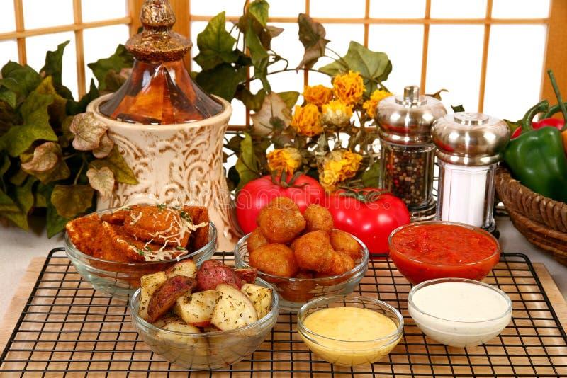 Aperitivos y salsas italianos foto de archivo