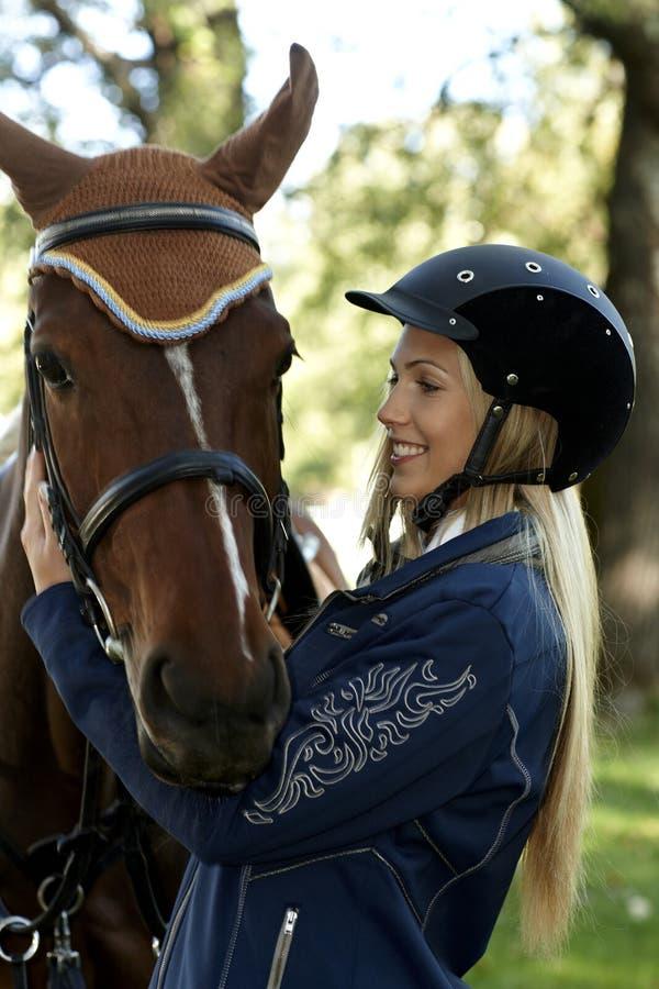 Aperto do cavaleiro e do cavalo fotografia de stock royalty free