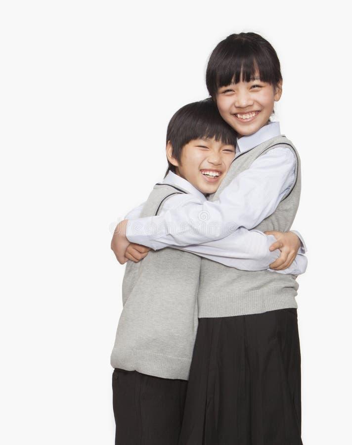 Aperto do irmão e da irmã imagem de stock