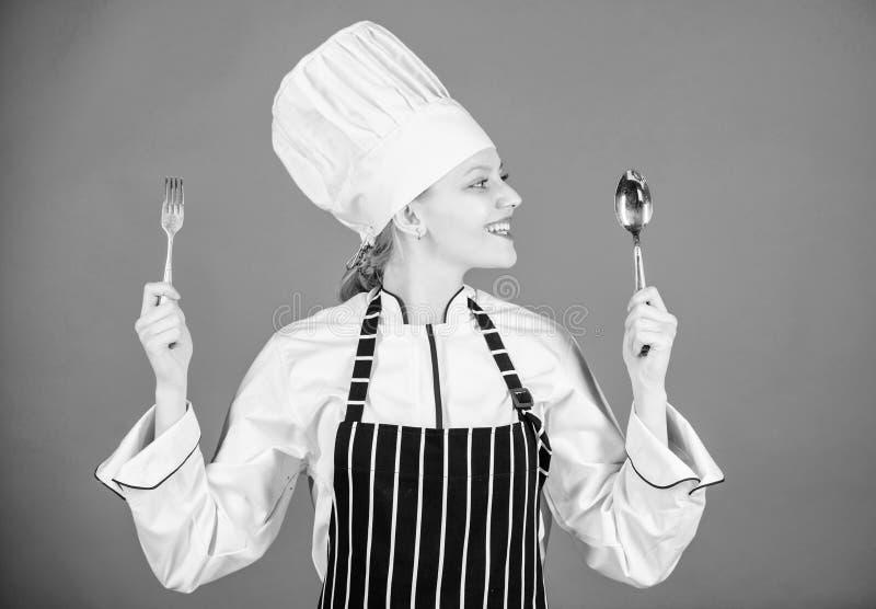 Apetyt i smak Tradycyjny kulinarny posi?ek Profesjonalisty kucharstwo i kucharz w domu Smakowity Domowej roboty jedzenie Czas pr? zdjęcie stock