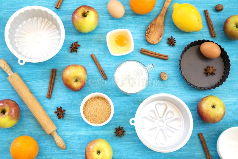 Apfelkuchenvorbereitung lizenzfreies stockfoto