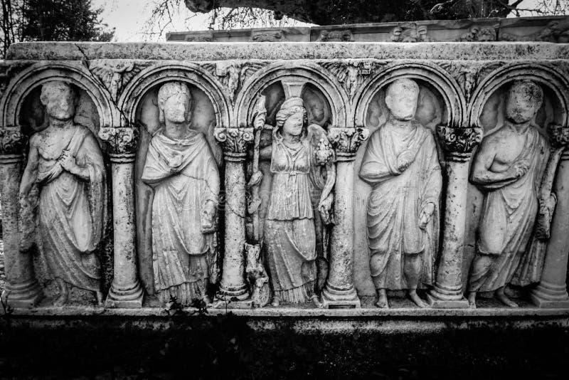 Aphrodisias Afrodisias Antyczny miasto w Caria, Karacasu, Aydin, Turcja Antyczni bogowie reliefowi na grobowu zdjęcia royalty free