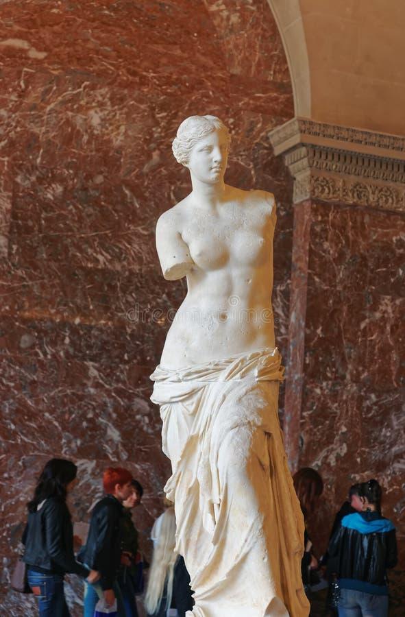 Aphrodite Milos rzeźbi przy louvre muzeum w Paryskim Francja zdjęcia stock