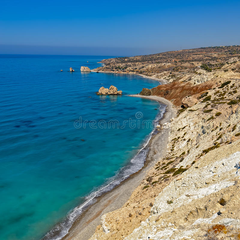Aphrodite zatoka w Cypr i skała obraz stock