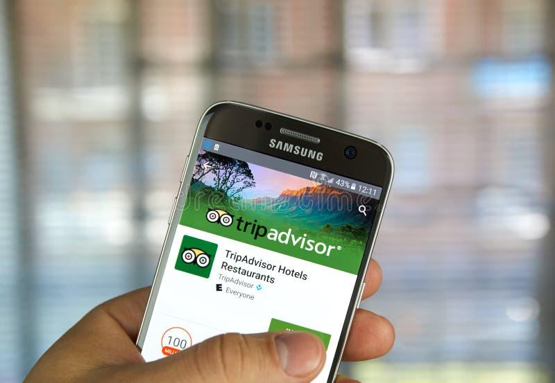 Aplicação de TripAdvisor em Samsung s7 imagem de stock