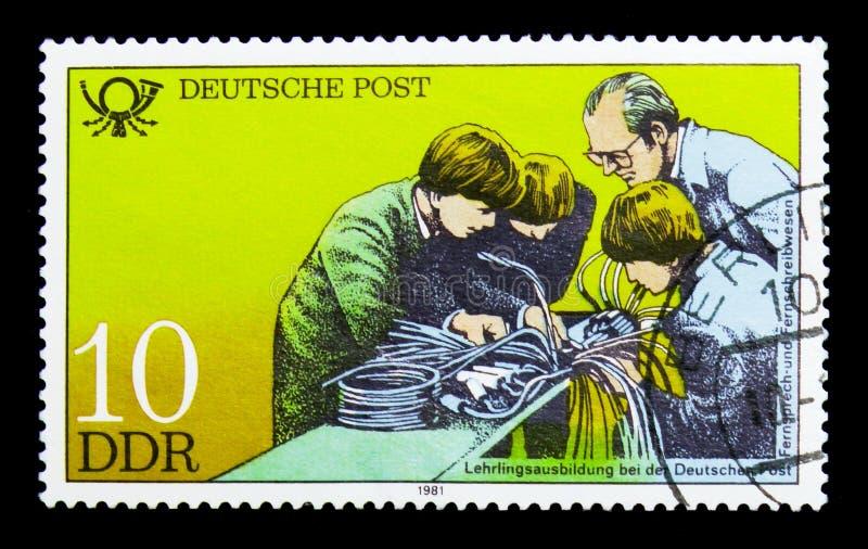 Aplikantura teleks i telefonia, instytucje edukacyjne Przy Deutsche Post seria około 1981, obraz royalty free