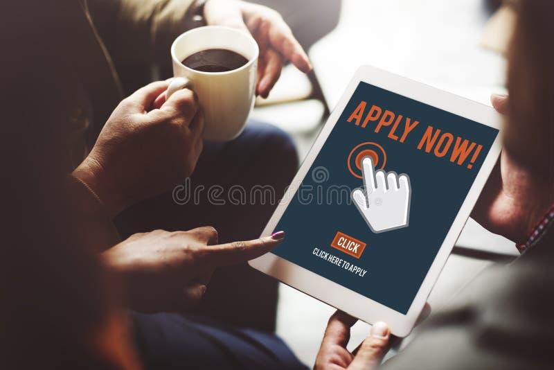 Aplique aplicam aqui Job Concept em linha fotos de stock