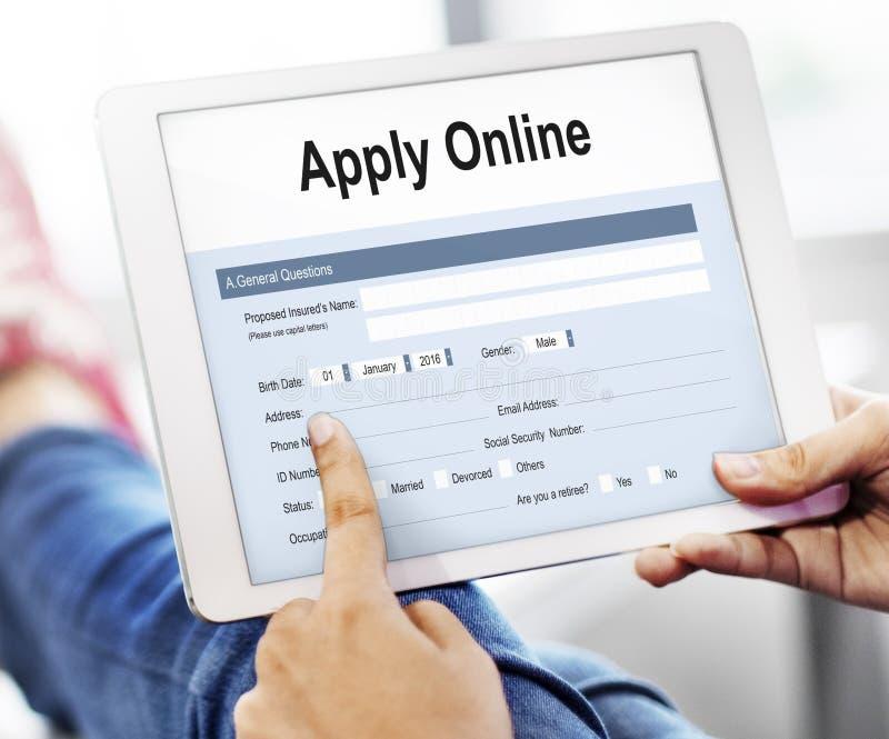 Aplique o conceito do formulário da faculdade da candidatura online fotos de stock royalty free