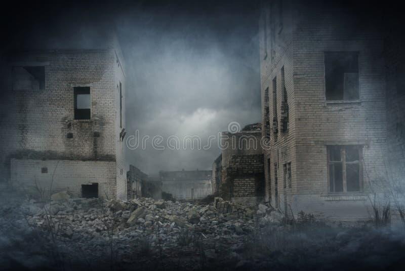 Apocalyptische ruïnes van de stad Rampeneffect royalty-vrije stock foto
