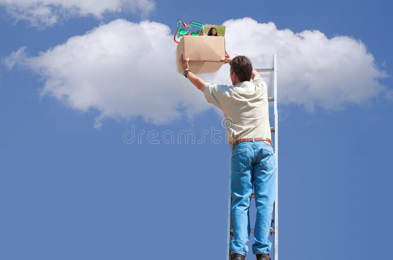 Apoio da nuvem e conceito do armazenamento