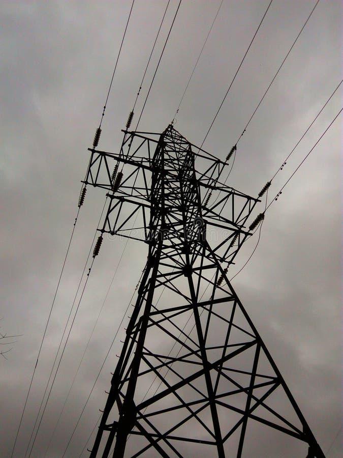 Apoio elétrico das linhas elétricas imagens de stock royalty free
