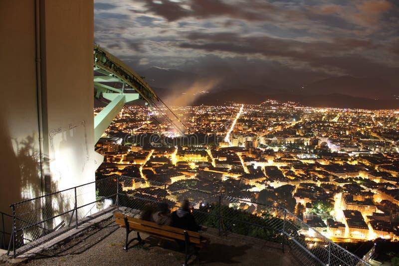 Apokalyptisches Stadtbild (Grenoble, Frankreich) lizenzfreies stockbild