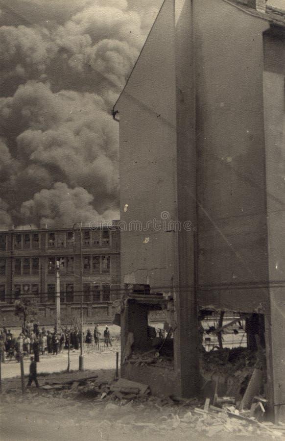Download Apollo brand 1944 ii arkivfoto. Bild av town, växt, gata - 37438