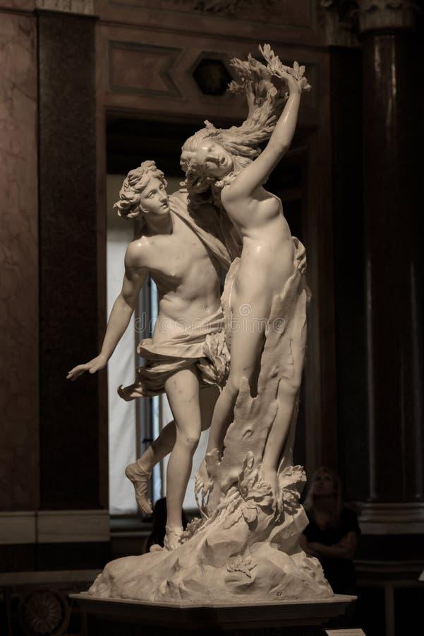 Apollo e Daphne por Gian Lorenzo Bernini imagem de stock