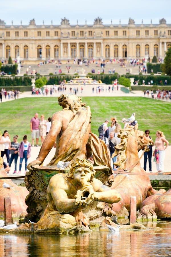 Apollo Fountain famoso en el palacio de Versalles cerca de París imágenes de archivo libres de regalías