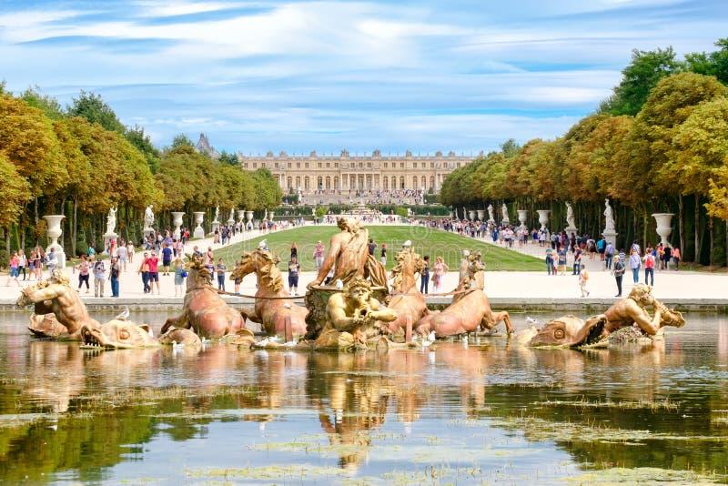 Apollo Fountain und die Gärten des Palastes von Versailles nahe Paris stockfotos
