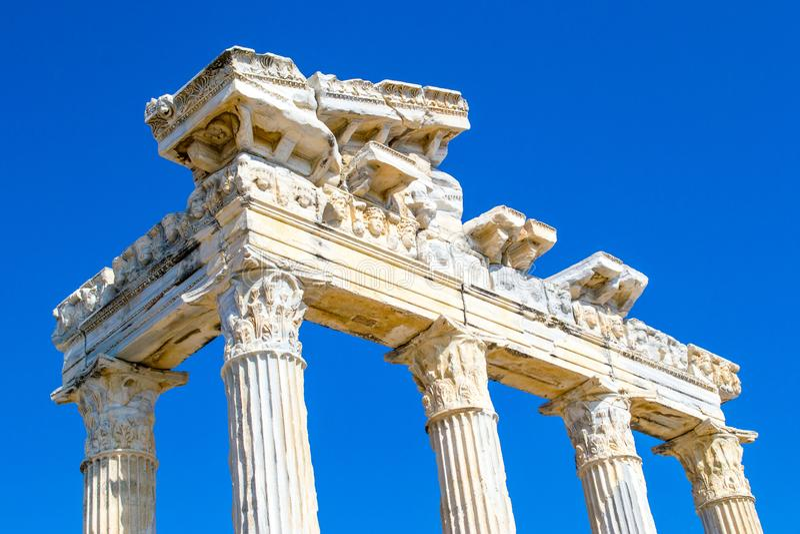 2 apollo s tempel kalkon Sidostad royaltyfri bild