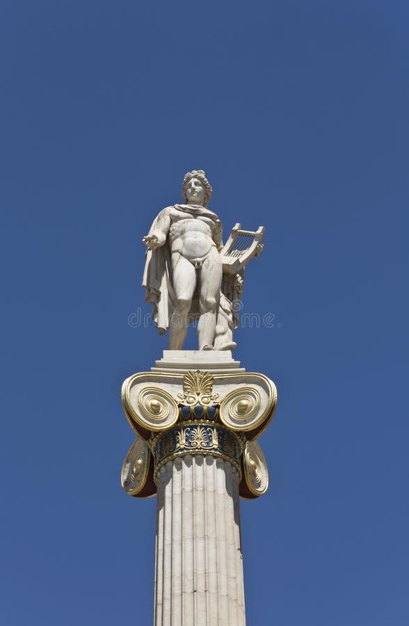 Apollo-Statue an der Akademie von Athen lizenzfreie stockfotos