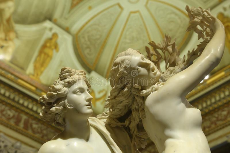 Apollo und Daphne, Marmorskulptur durch italienischen Künstler Gian Lorenzo Bernini, Galleria Borghese, stockfotografie