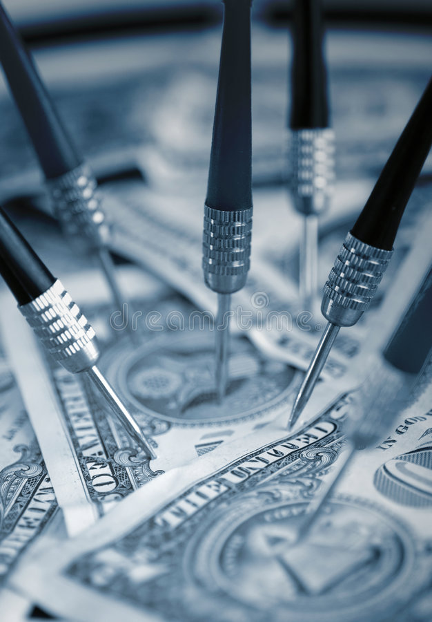 Apontando o dinheiro do dólar americano (Financeiro) fotografia de stock