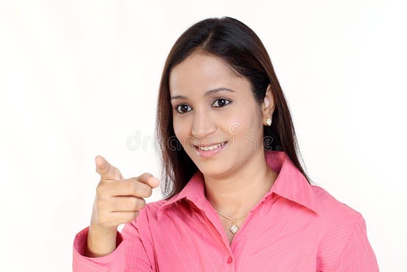 Apontar indiano da mulher de negócio foto de stock royalty free