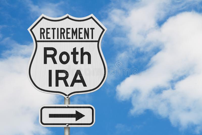 Aposentadoria com a rota do plano de Roth IRA em um sinal de estrada da estrada dos EUA imagem de stock