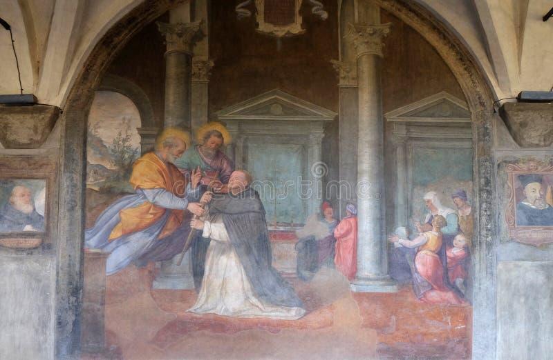 Apostlarna Peter och Paul syns till St Dominic, den Santa Maria Novella kyrkan i Florence royaltyfria bilder