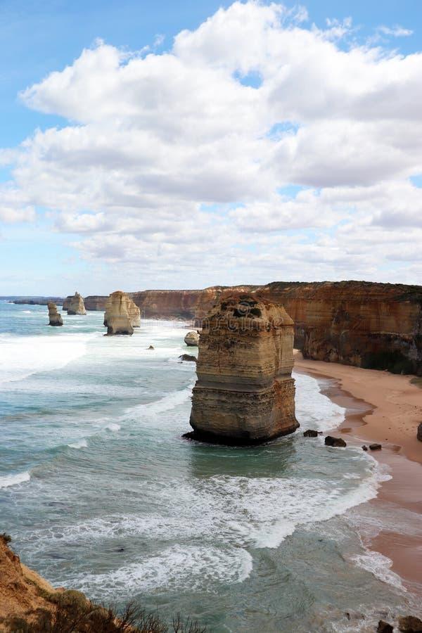 12 apostoli Port Campbell, grande strada dell'oceano in Victoria 12 apostoli vicino a porto Campbell, la grande strada in Victori immagini stock