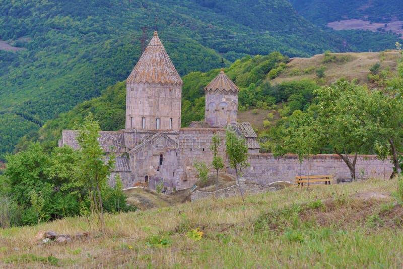 apostolic armenierkyrka Berglandskap, kloster royaltyfria bilder