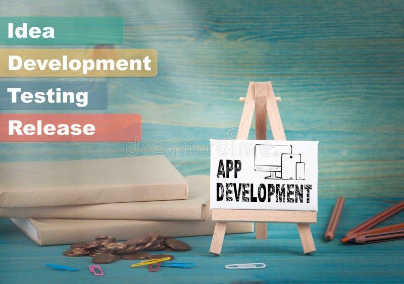 App ανάπτυξη, επιχείρηση και στρατηγική έννοια πίνακας ανακοινώσεων από τα βιβλία και τα χρήματα, και ανακοινώσεις διανυσματική απεικόνιση