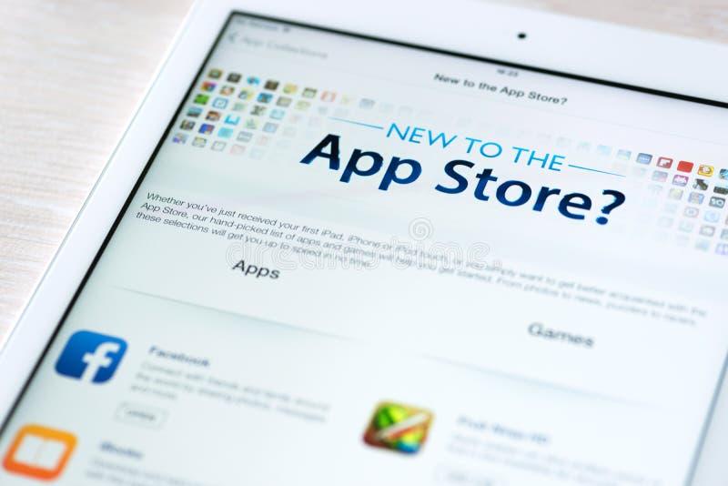 App χαρακτηριστικά γνωρίσματα καταστημάτων στον αέρα της Apple iPad στοκ εικόνα με δικαίωμα ελεύθερης χρήσης