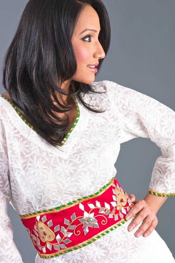 App de las mujeres bordadas indias imagen de archivo libre de regalías
