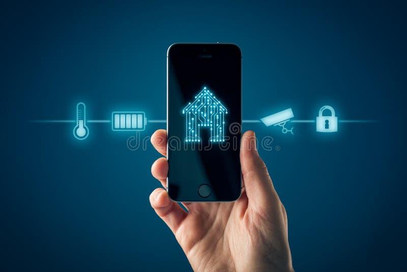 App domestico astuto sul concetto dello Smart Phone fotografia stock libera da diritti