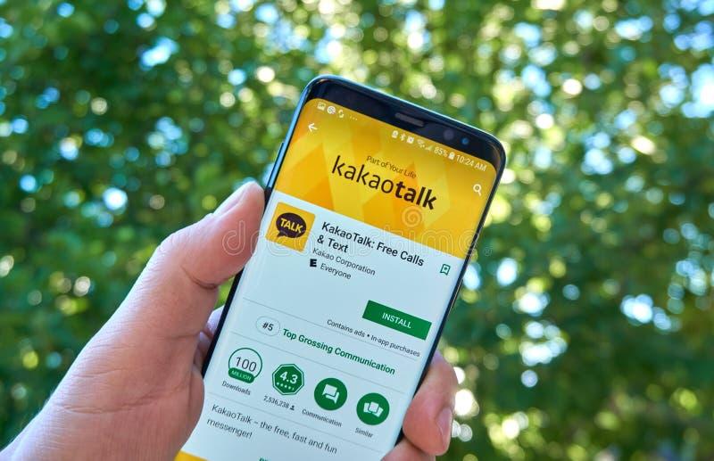 App móvil de Kakao Talk en Samsung s8 imagen de archivo libre de regalías