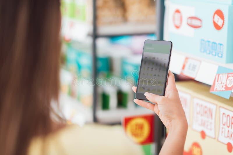 App móvil que hace compras fotografía de archivo libre de regalías