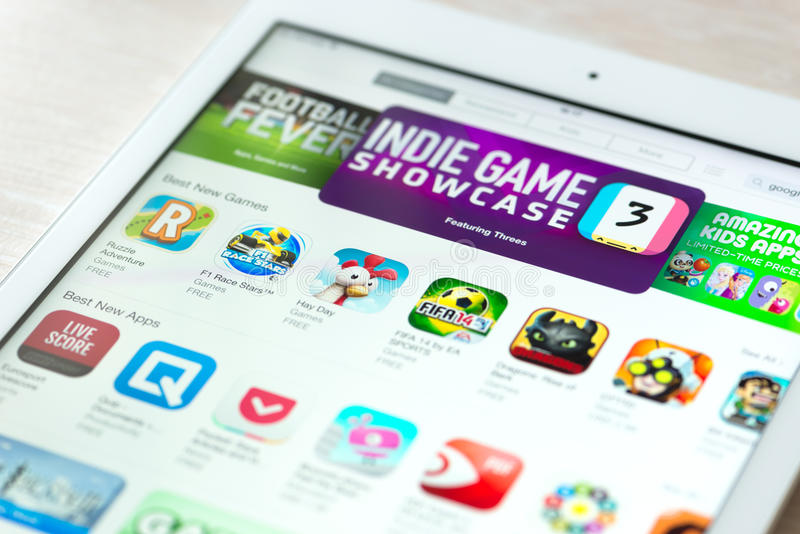 App Store com coleção dos jogos no iPad de Apple areja imagens de stock royalty free