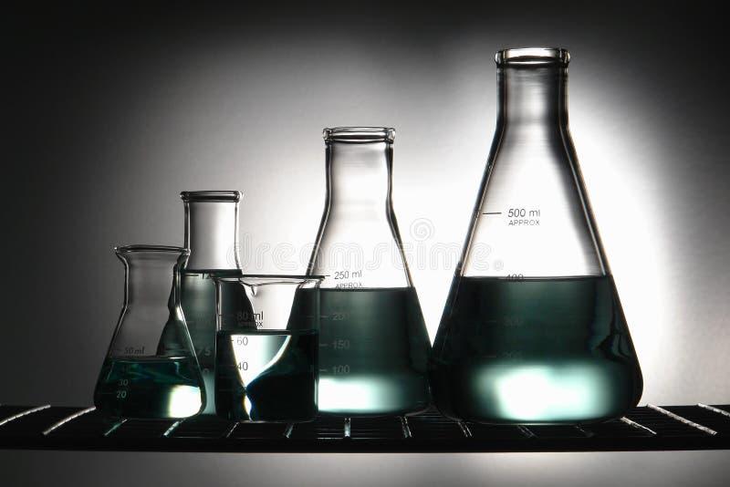 Apparatuur in het Laboratorium van het Onderzoek van de Wetenschap stock afbeelding
