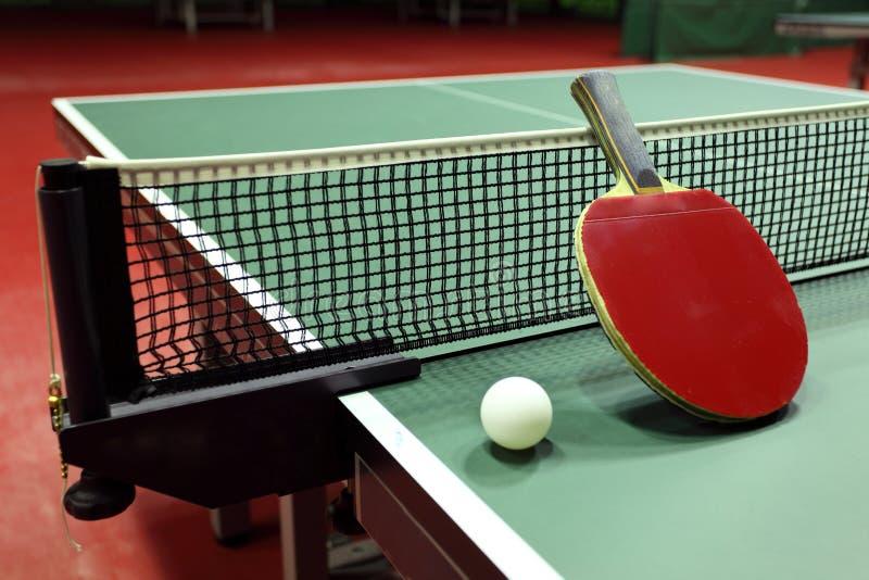 Apparatuur voor pingpong - racket, bal, lijst stock foto