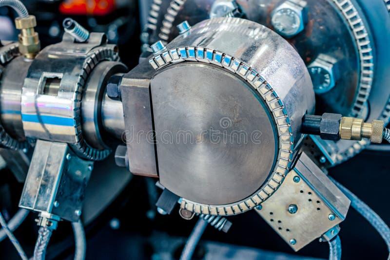 Appareil de chauffage en céramique de bride Système de chauffage pour des tuyaux pour les machines en plastique de moulage par in images stock
