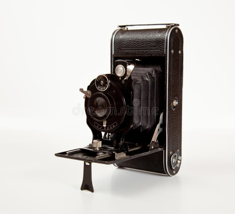 Appareil-photo antique dans la vue de côté photographie stock libre de droits