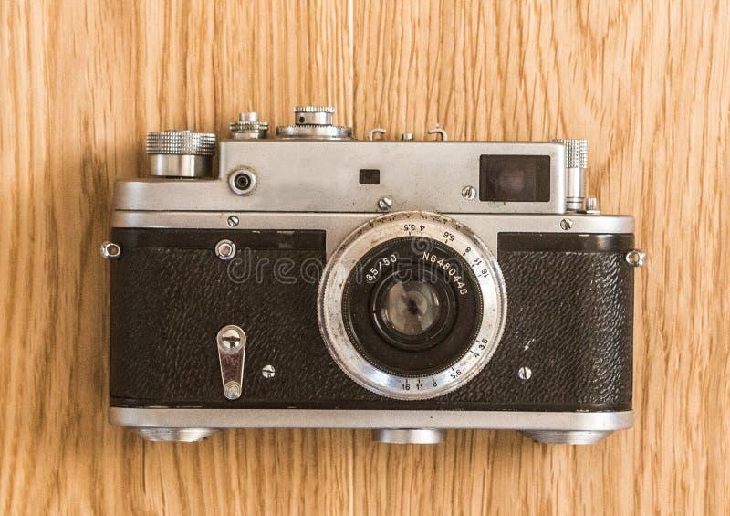 appareil-photo d'isolement au-dessus du blanc de cru de télémètre image libre de droits