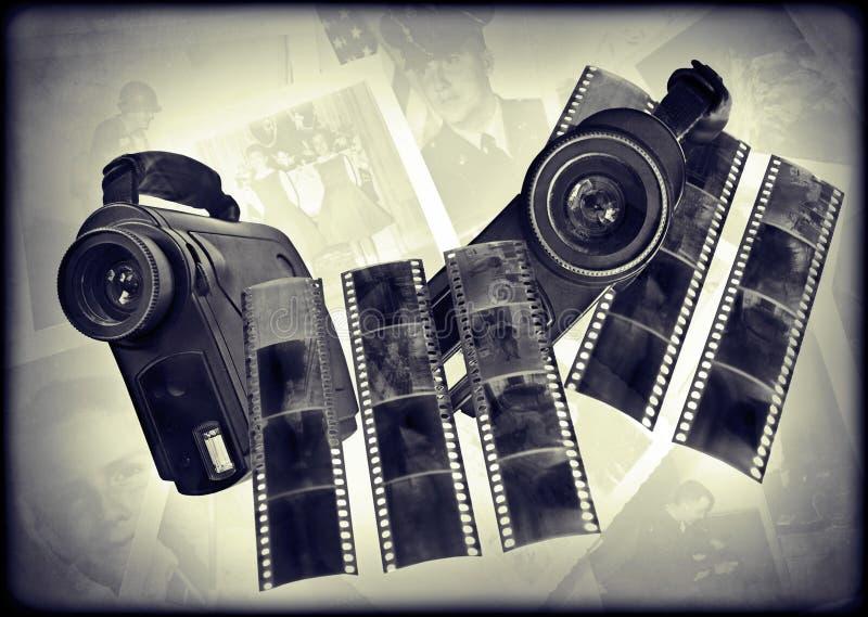 appareils photo numériques et film des années 80 photo libre de droits
