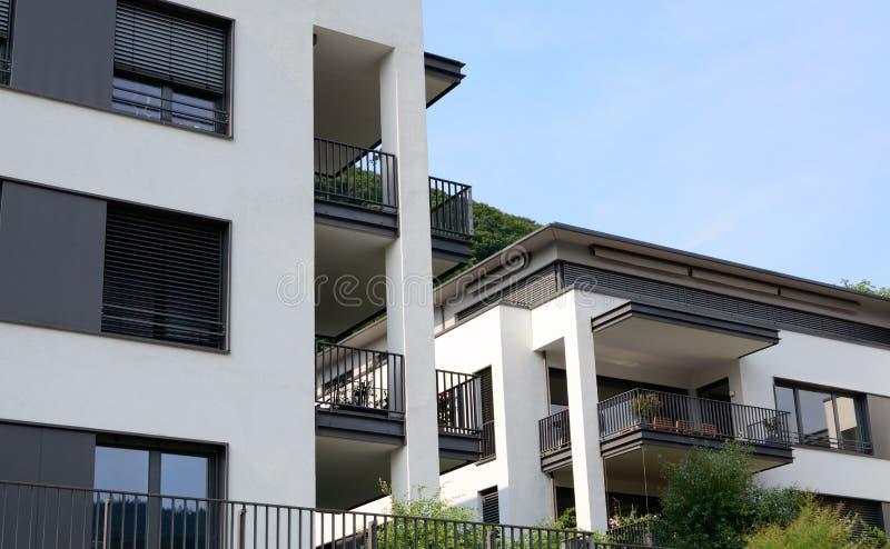 Appartamenti di lusso moderni fotografia stock immagine for Appartamenti moderni