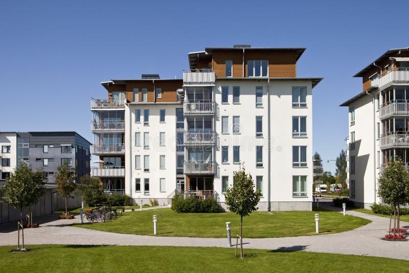 Appartamenti moderni fotografia stock immagine di balcone for Appartamenti moderni foto