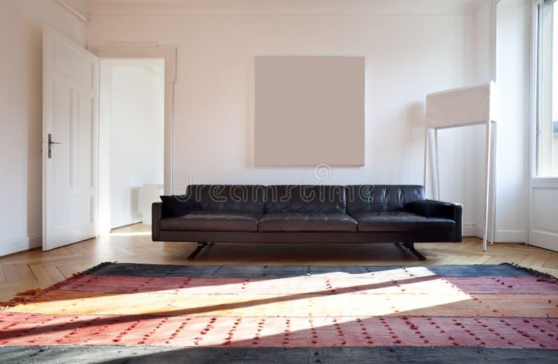 Appartamento piacevole riparato, salone immagine stock