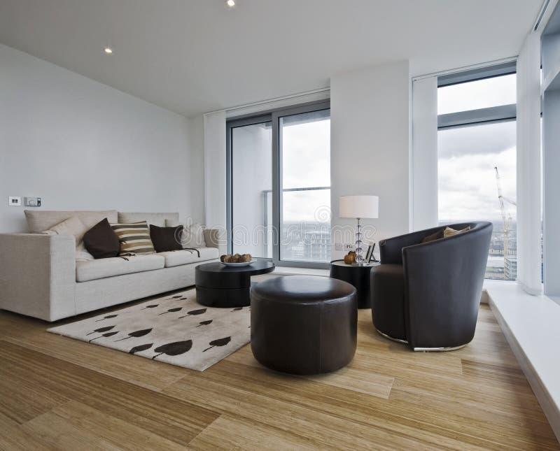 Appartement contemporain images stock