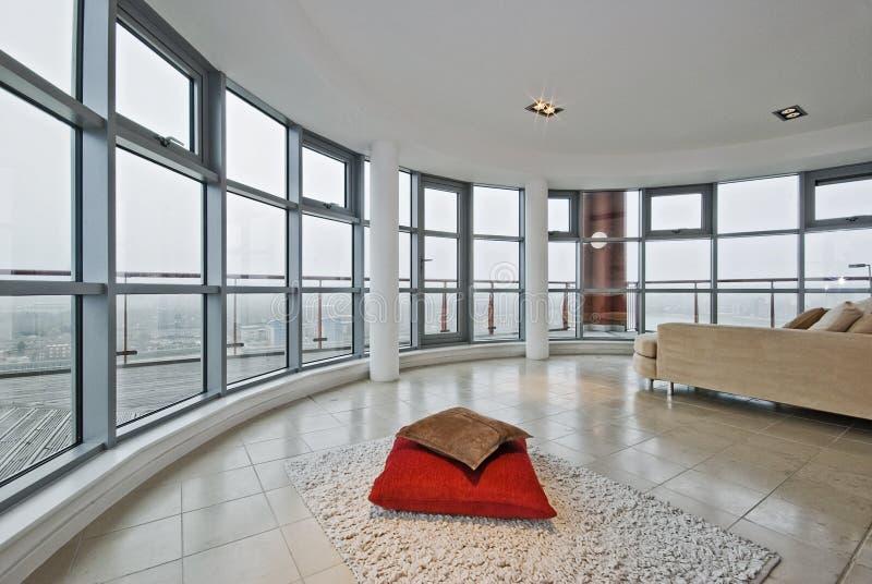 Appartement d'appartement terrasse photographie stock