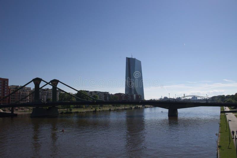 Appartement de Francfort sur Main sur la canalisation et le pont dans Hesse #5 images libres de droits