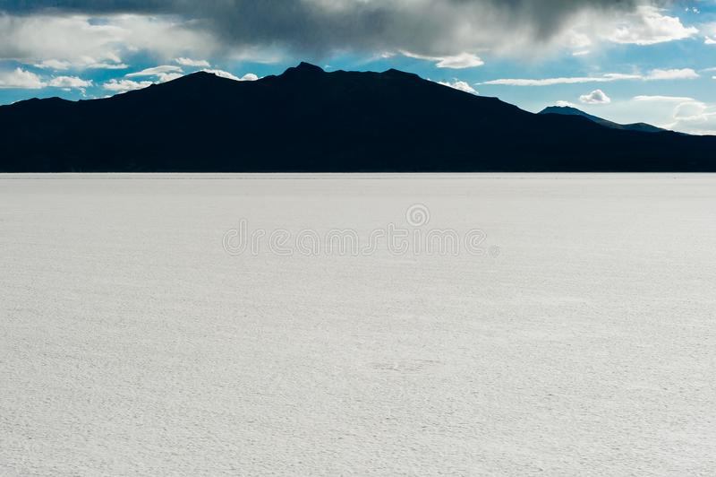 Appartement de sel d'Uyuni - Salar de Uyuni - le plus grand appartement du sel du monde images stock