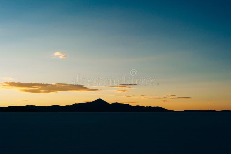 Appartement de sel d'Uyuni - Salar de Uyuni - le plus grand appartement du sel du monde photographie stock libre de droits